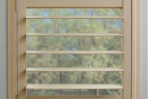 Hunter Douglas shutter, shutter, large louver size, white shutter